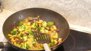 Meal Prep Rezept Asiatisch gebratene Nudel mit Gemüse