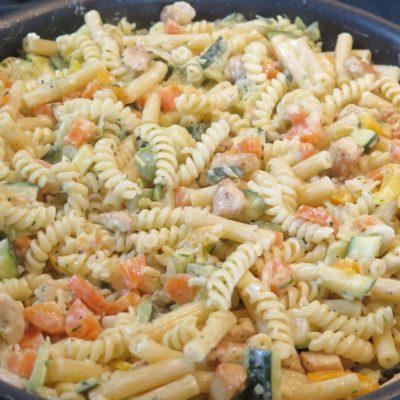 Nudelpfanne mal anders! Gemüse und Hähnchen als ideales Meal Prep Rezept
