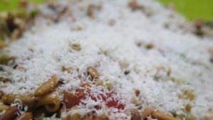 Italienischer Salat mit Parmesan