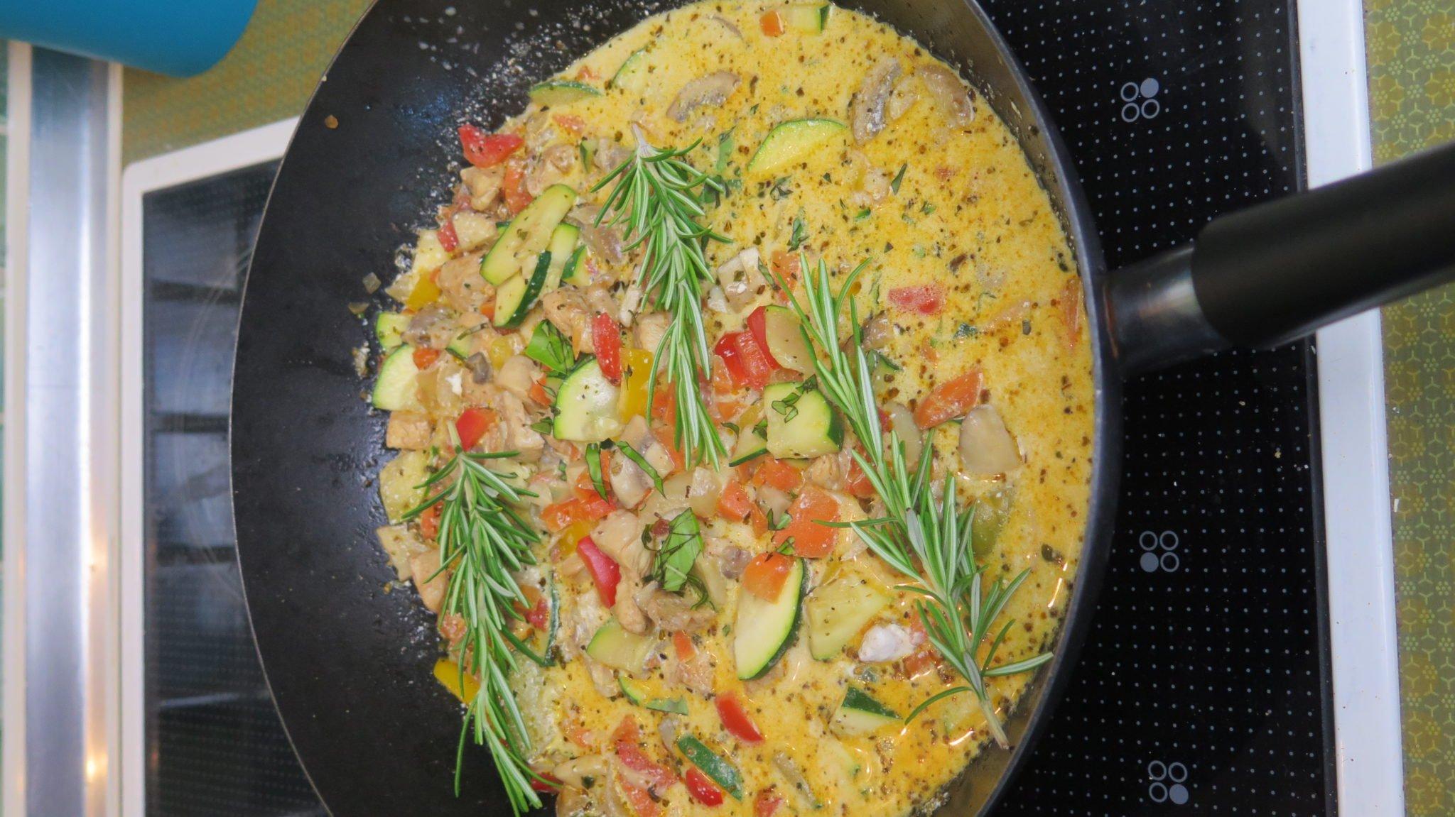 meal-prep-wochenrezept-#5-mediterane-gemuse-pfanne-haehnchen